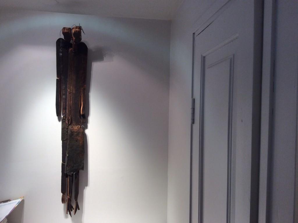בתערוכה של אורן פישר 2-15 030