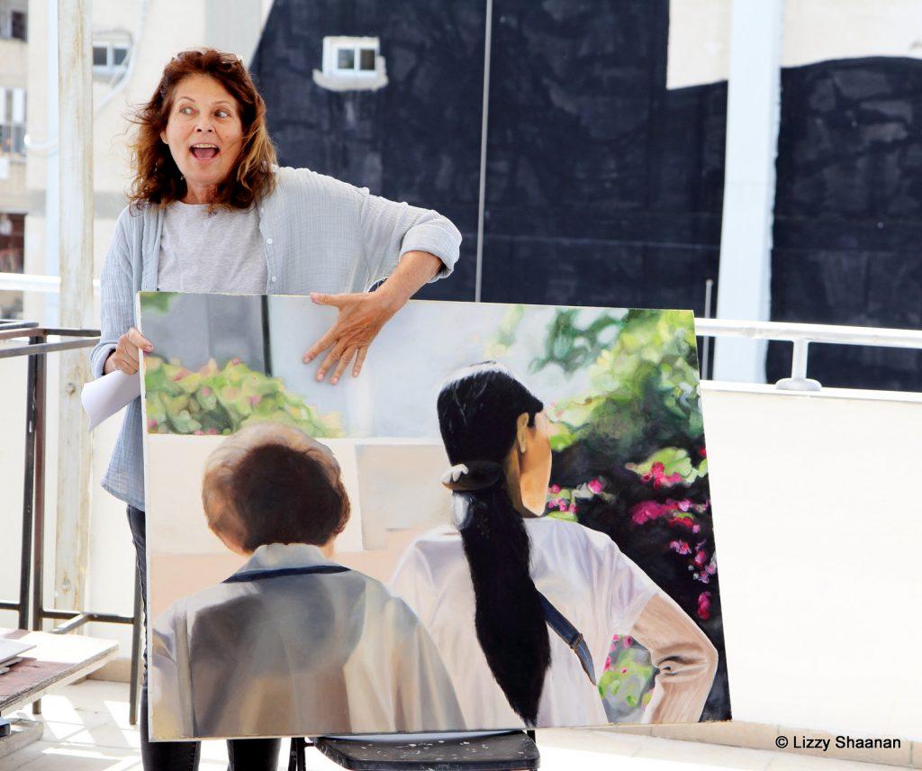 סוזי מסבירה מה רואים בציור שלה